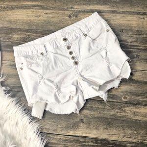 Rue 21   White Curvy Jean Shorts (R01)